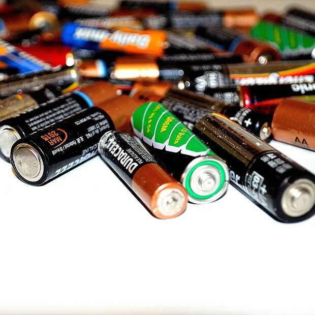 Het is internationale batterijdag: we gebruiken ze nog steeds