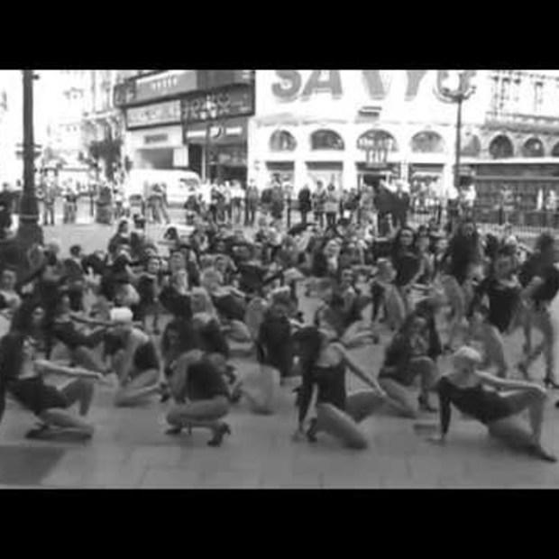Beyonce 100 Single Ladies Flash-Dance Piccadilly Circus
