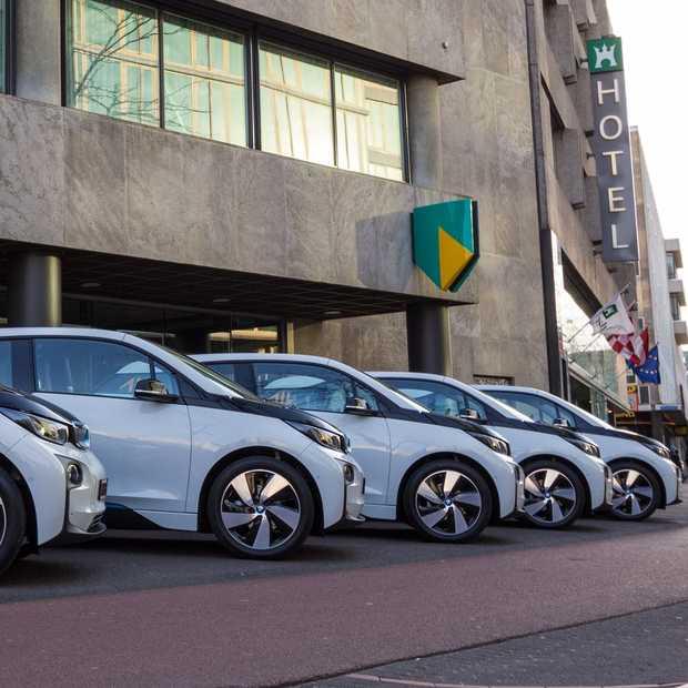 ABN AMRO wil in 2020 volledig CO2-neutraal en kiest voor elektrische deelauto's