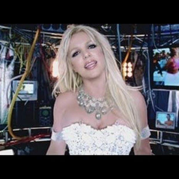 Weekend Viral : Britney Sears : Hold It Against Me