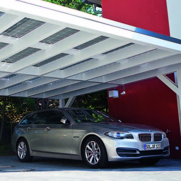 BMW werkt met SolarWatt aan zonne-energiesysteem voor carport
