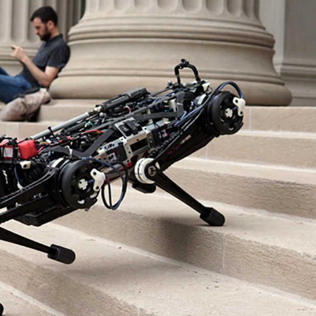 Check even deze robot: traplopen zonder iets te zien