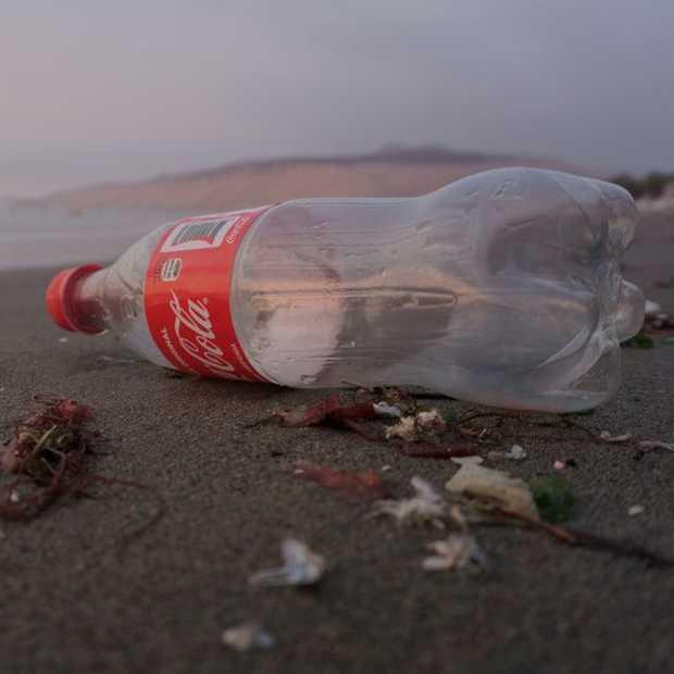 Coca-Cola introduceert fles gemaakt van oceaanplastic