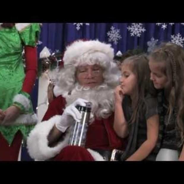 Matt Damon - Claus for a Cause