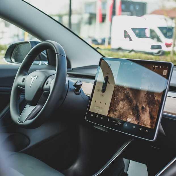 Disney+ kijken doe je binnenkort ook vanuit een Tesla