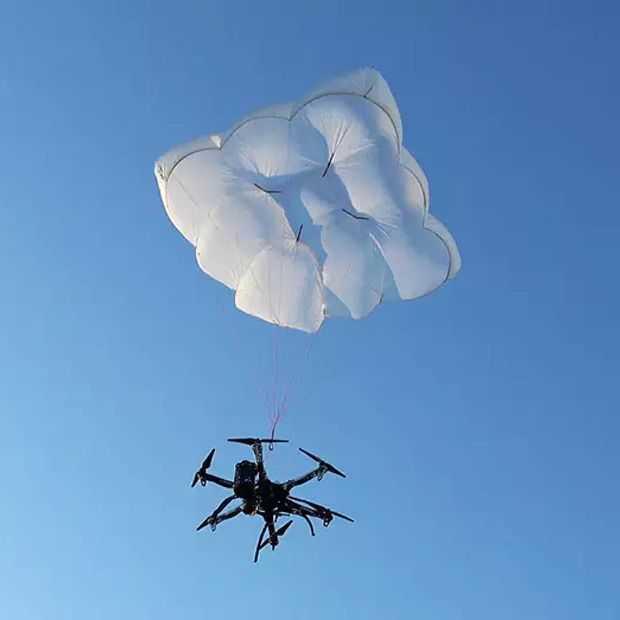 Drone rescue is een parachute die je drone redt als het mis gaat