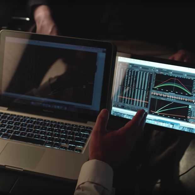 Handig? Tweede scherm dat met magneetjes aan je laptop vast zit