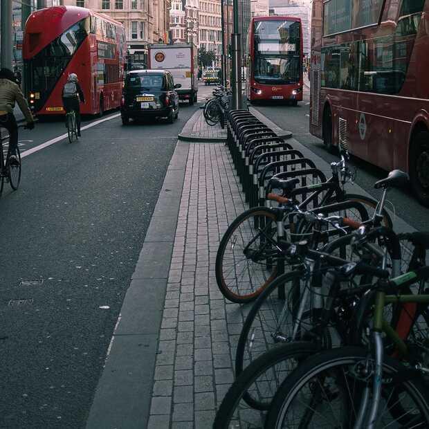 Altijd parkeren in de stad met de elektrische fiets of vouwfiets