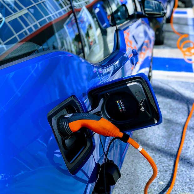 Chinese fabrikanten van elektrische auto's in zwaar weer