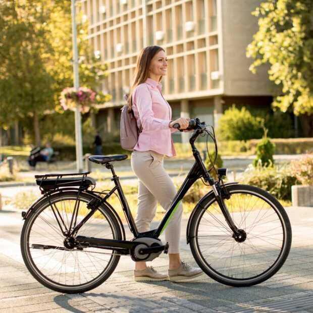 Bijna de helft van de 65 plussers heeft een e-bike thuis staan