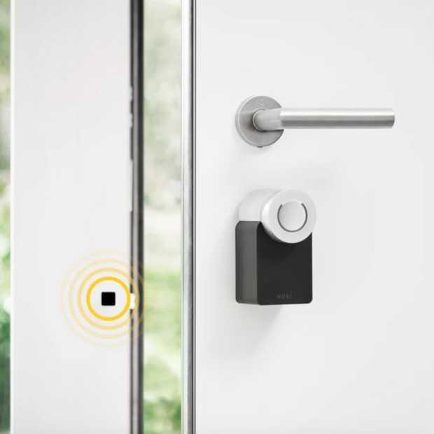 Elektronisch deurslot; deur openen zonder de deurklink vast te houden.