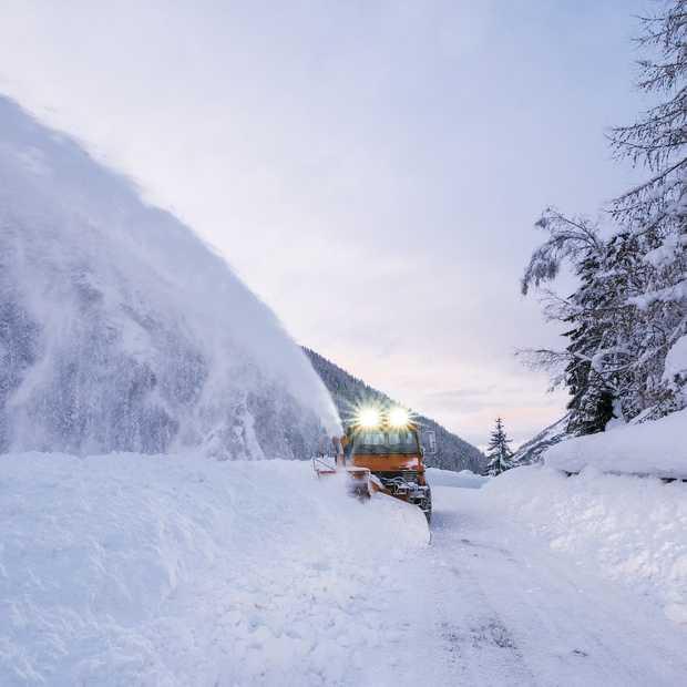 De giga sneeuwval in Oostenrijk levert deze extreme beelden op!