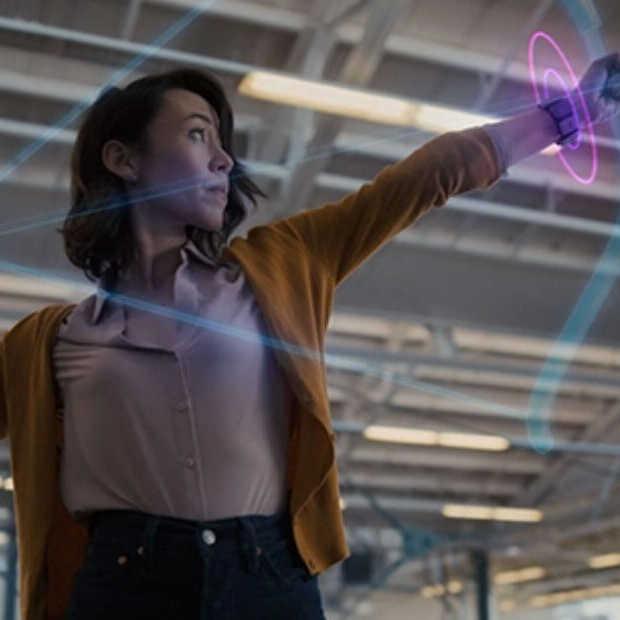 Facebook maakt nieuwe augmented reality-bril met polsband