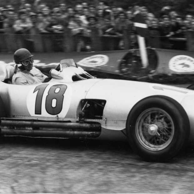 Fangio's 1954 F1 Mercedes verkocht voor 22.7 miljoen