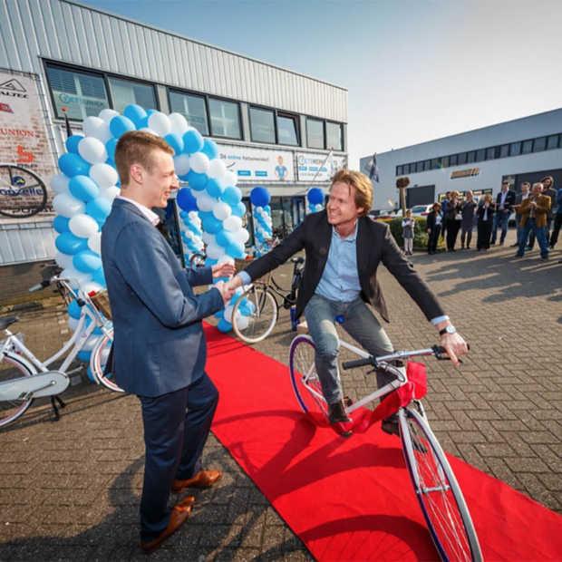 Naast clicks nu ook bricks: bij Fietsuniek versterkt een showroom de online fietsenwinkels