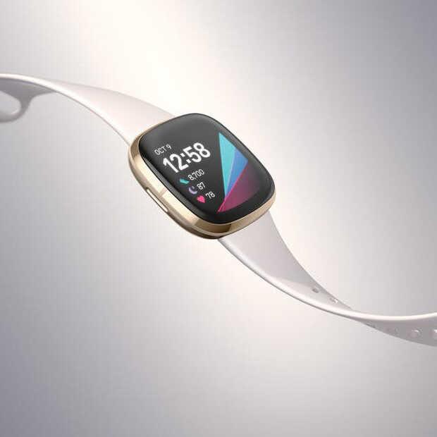 Fitbit's nieuwe smartwatch neemt je temperatuur op