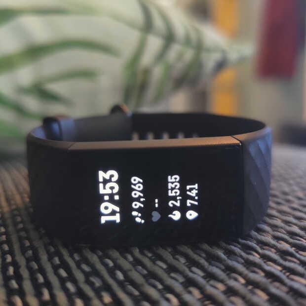 Fitbit-trackers bewijzen het: kunnen helpen bij identificeren coronageval