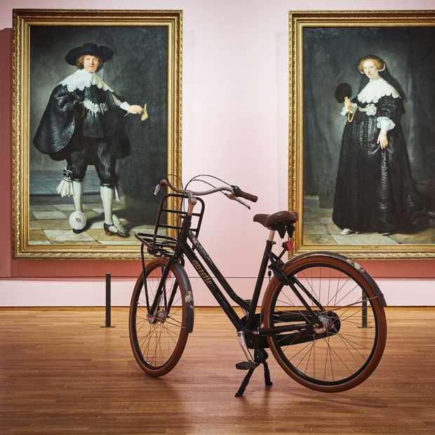 Gazelle brengt schilderijen uit het Rijksmuseum naar het fietspad