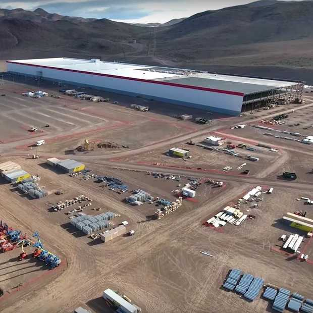 Tesla Model 3 2017 Hd 4k Wallpaper: Drone Toont De Bouw Van Tesla's Nieuwe Gigafabriek In Nevada