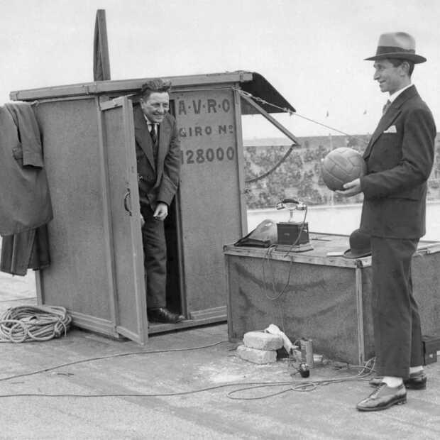 Vandaag in 1928 eerste live radioverslag van een voetbalwedstrijd