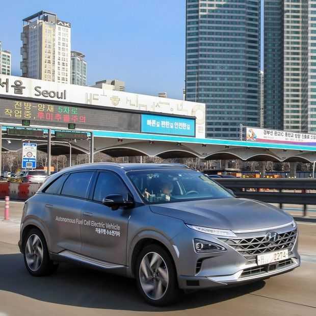 De eerste zelfrijdende waterstofauto is van Hyundai