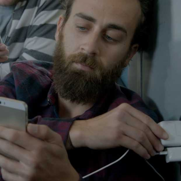 Wall huggers, Samsung drijft de spot met iPhone bezitters