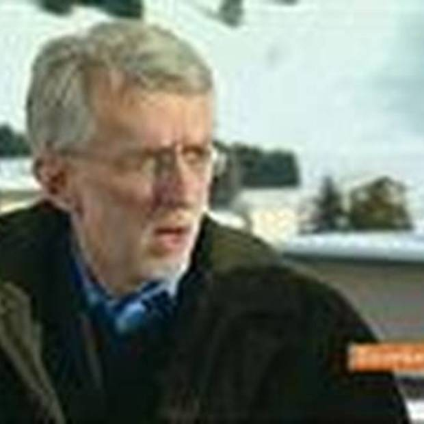 Jeff Jarvis Says Buzz Shows Google Is `Trying to Expand'
