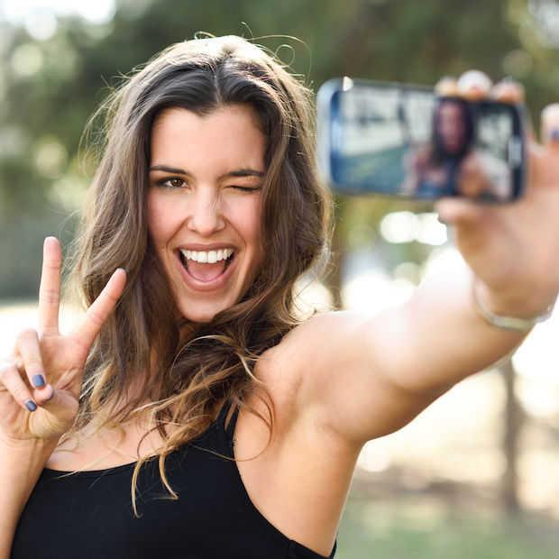 96 procent van de jongeren heeft een smartphone