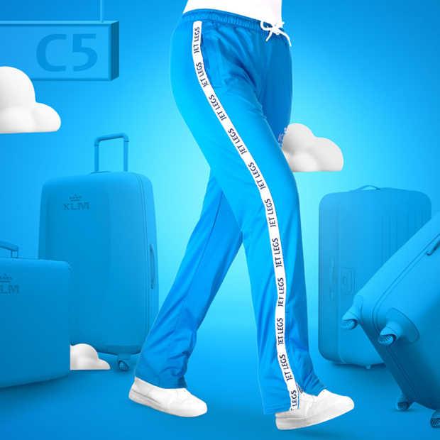 KLM komt met Jet Legs-trainingsbroek om comfortabel te reizen