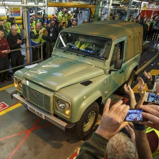Laatste Land Rover Defender van band gerold in Solihull