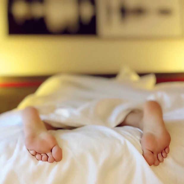 Waarom een weekend in bed blijven liggen goed voor je is