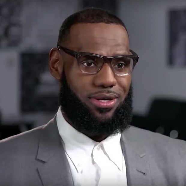 LeBron James doet wat terug en opent school voor kinderen