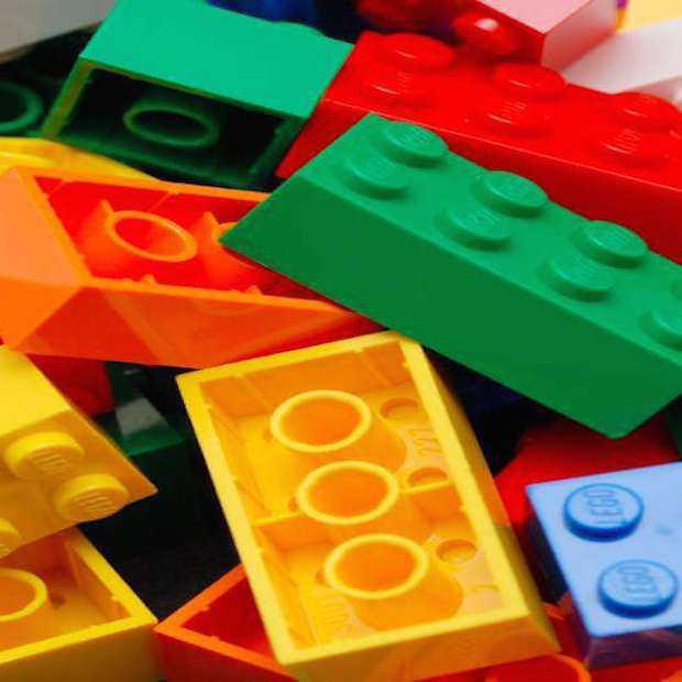 Lerares gebruikt LEGO om lastige breuken uit te leggen