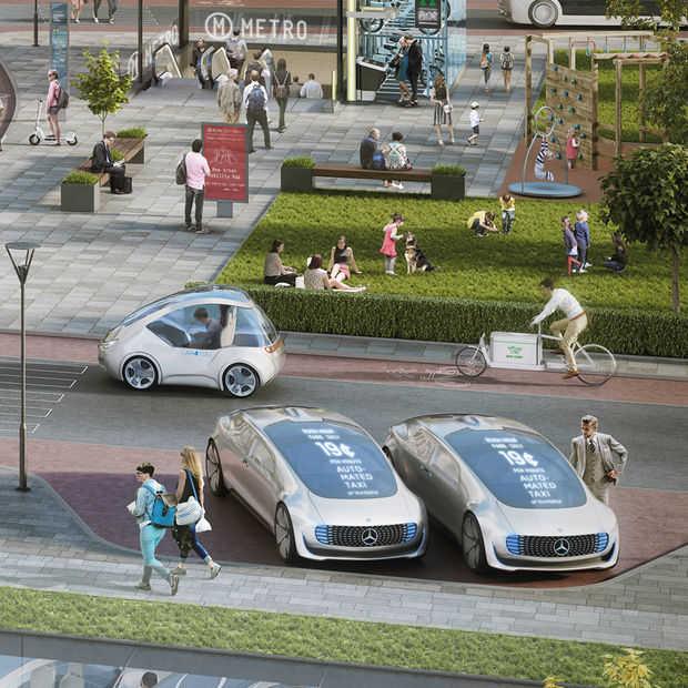 Mercedes belooft ook zelfrijdende taxi in 2021