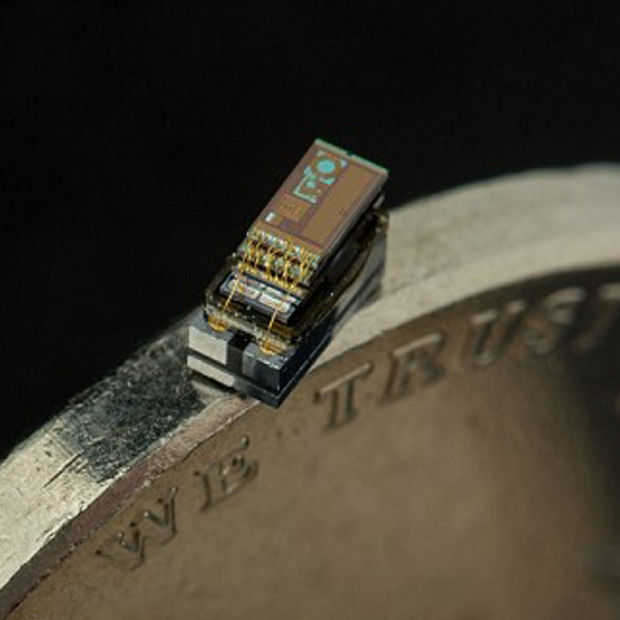 Deze zelfvoorzienende computer is één kubieke millimeter groot