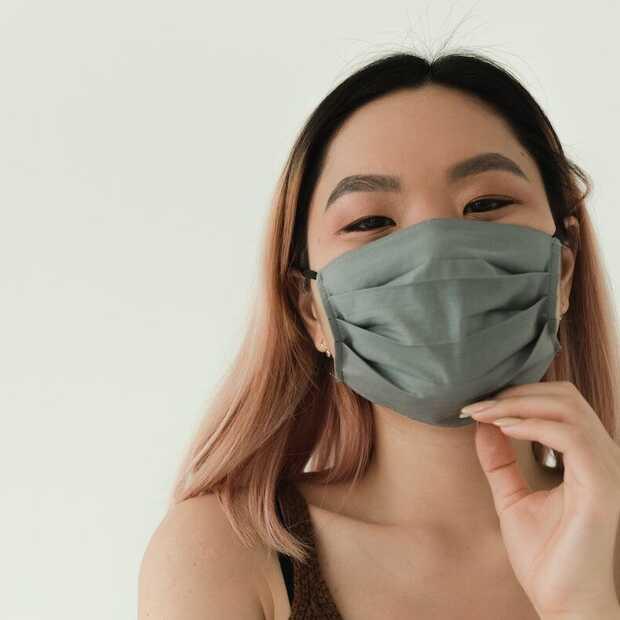 Heeft het nog zin om een mondkapje te dragen als je gevaccineerd bent?