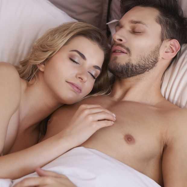 Onderzoek: waarom naakt slapen goed voor je is