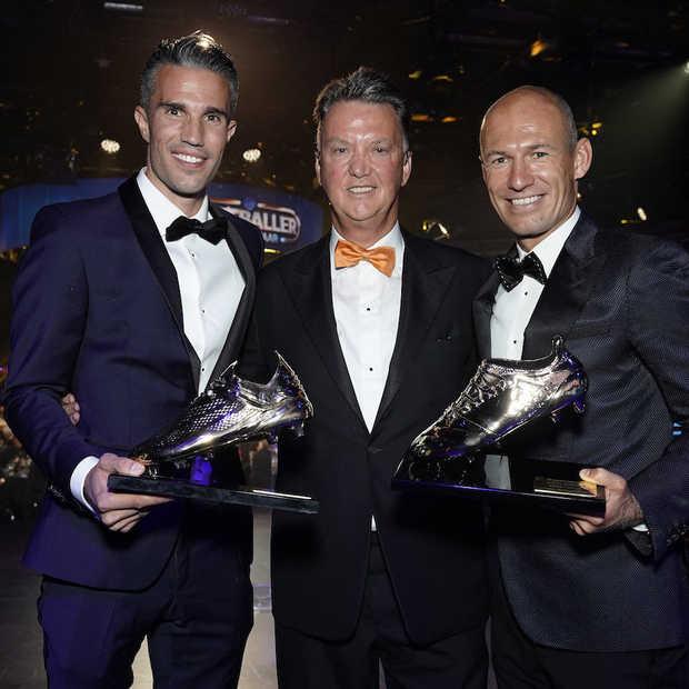 Arjen Robben en Robin van Persie ontvangen oeuvreprijs