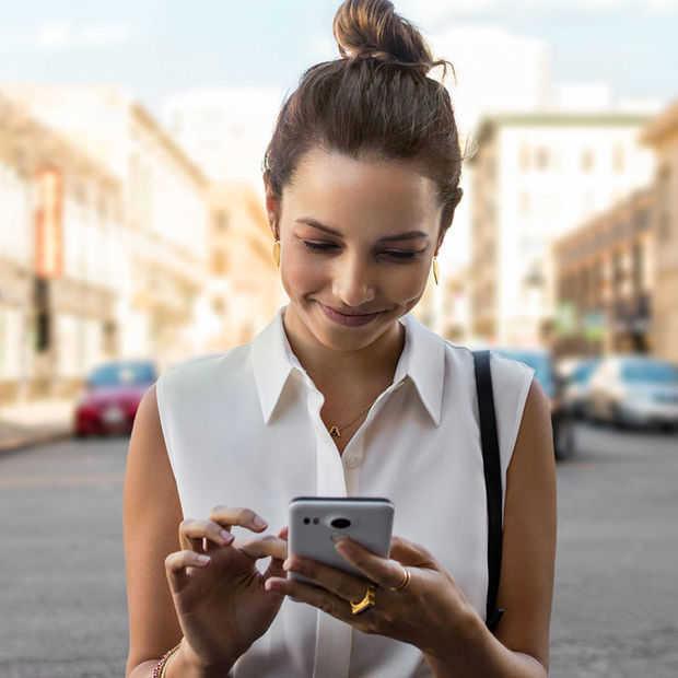 Online via de smartphone? Dat doen we ruim 60 uur per maand