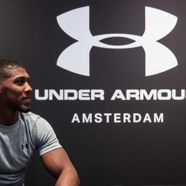 Anthony Joshua sloopt winkelruit Under Armour Brand House