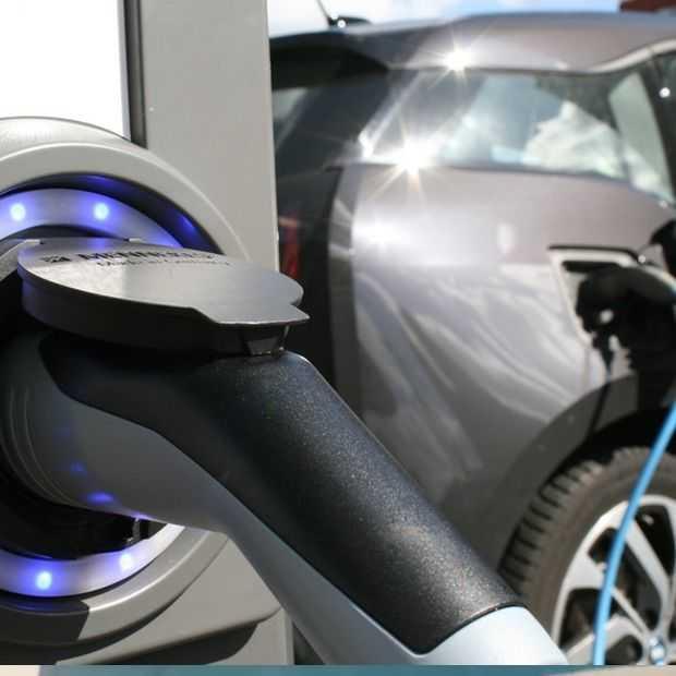 Retail niet blij met verplichte oplaadpalen elektrische auto's