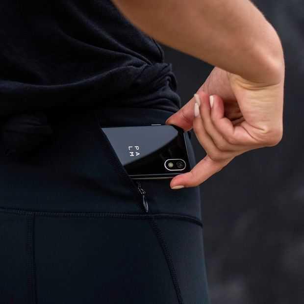 Palm is terug met een bizarre 'telefoon voor je telefoon'
