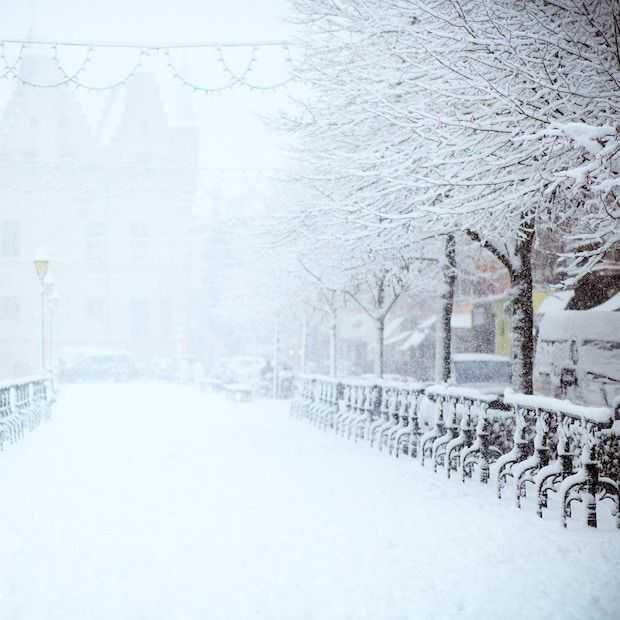 De meest adembenemende beelden van Parijs in de sneeuw