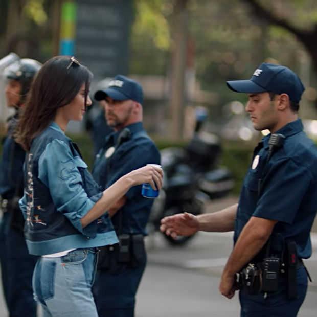 Pepsi-campagne met Kendall Jenner afgebrand op social media
