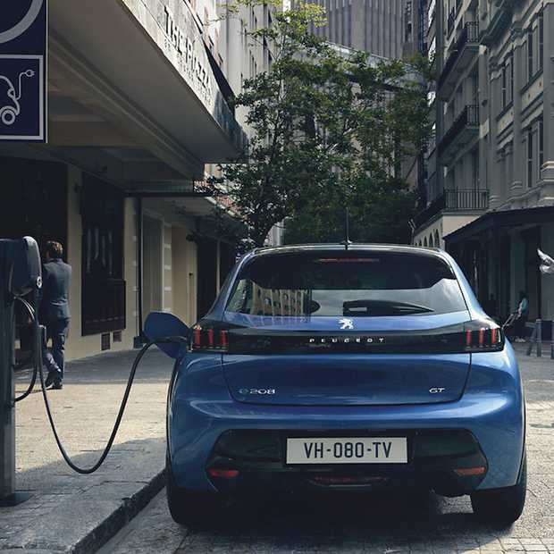 De elektrische Peugeot e‑208 kun je nu al reserveren