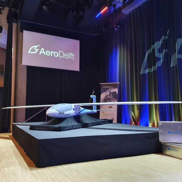 Delfts studententeam onthult waterstofvliegtuig Phoenix PT