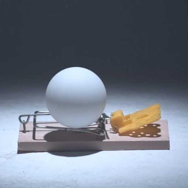 Briljante viral van Pepsi met 2014 muizenvallen en pingpongballetjes