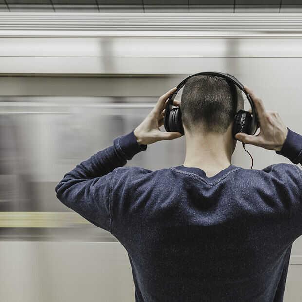 Wat zeg je? Spotify start met transcriberen van podcasts