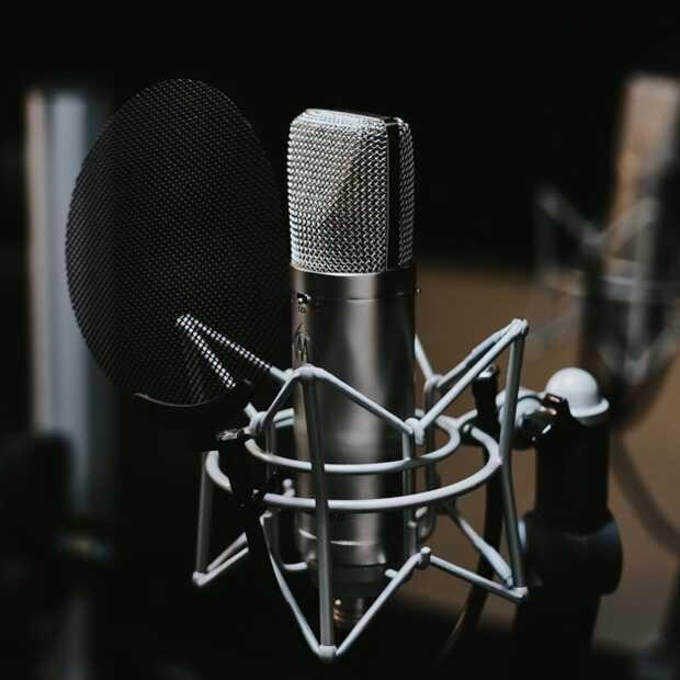 Robot maakt podcast: GPT-3 schrijft script dat presentatoren voorlezen