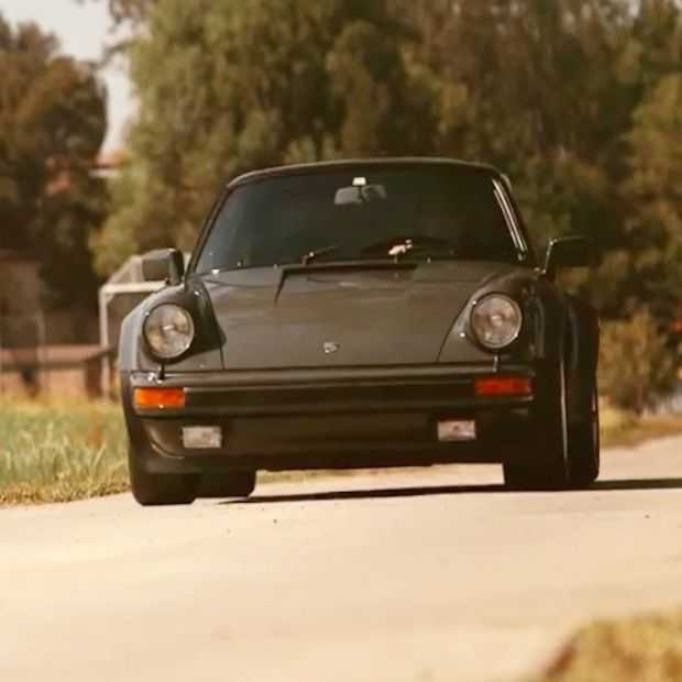 Steve McQueen's Porsche 911 Turbo wordt geveild